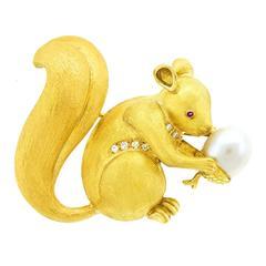 Charming Gold Squirrel Brooch