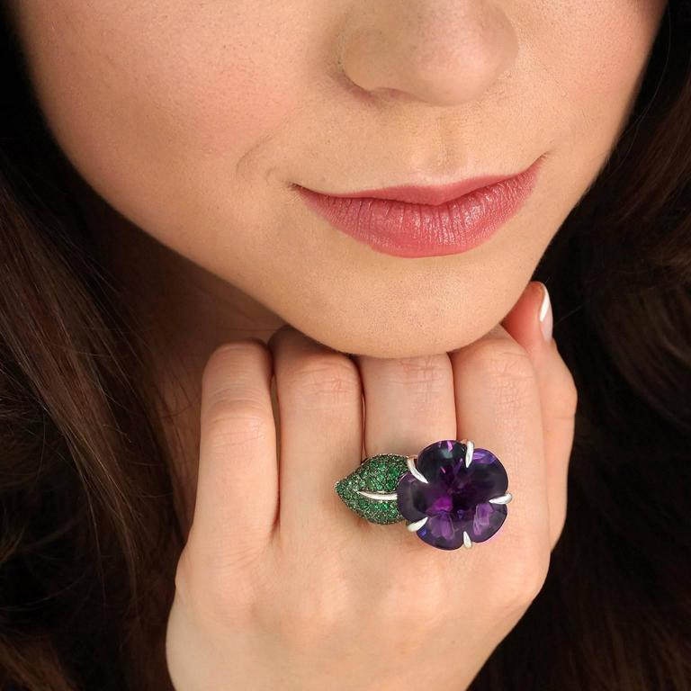 Women's Chanel Amethyst and Tsavorite Flower Ring For Sale