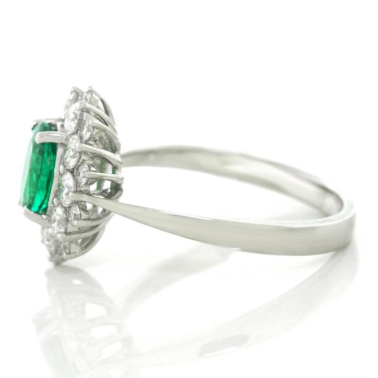 Vibrant Emerald Diamond Gold Ring 7
