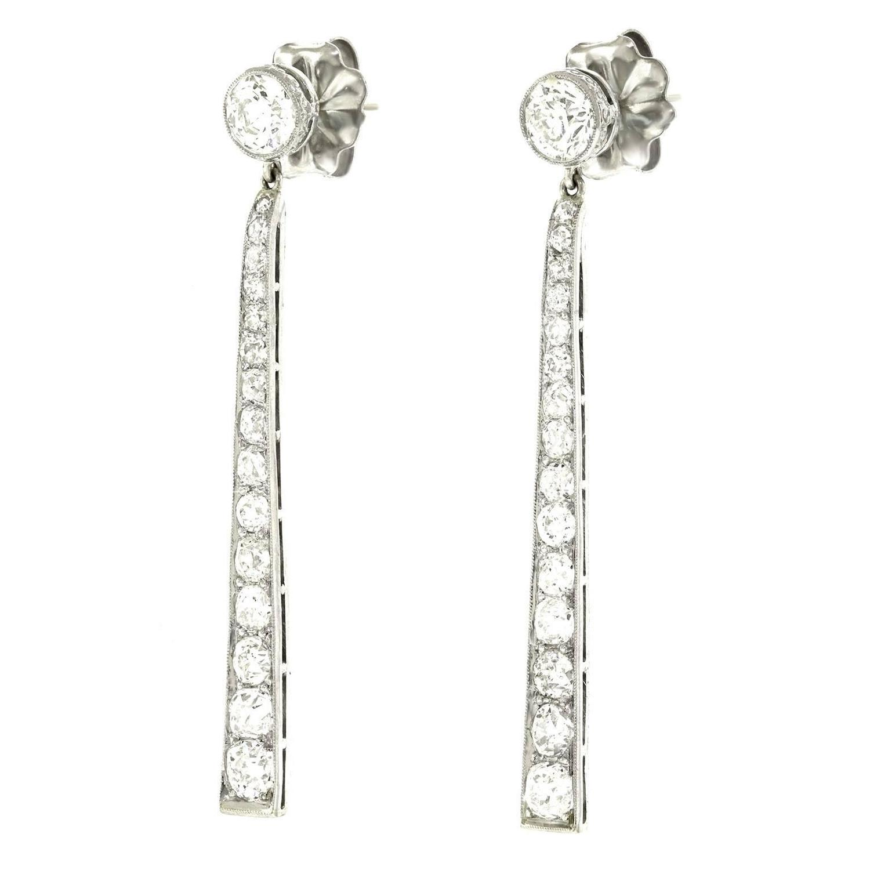 fabulous art deco diamond dangle earrings for sale at 1stdibs. Black Bedroom Furniture Sets. Home Design Ideas