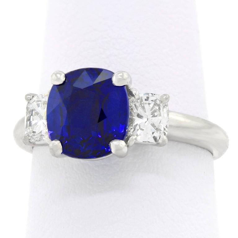 2.50 Carat Sapphire, Diamond and Platinum Ring GIA Certified For Sale 4