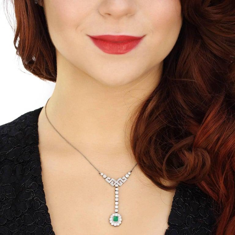 Art Deco Diamond and Emerald Set Gold Necklace 4
