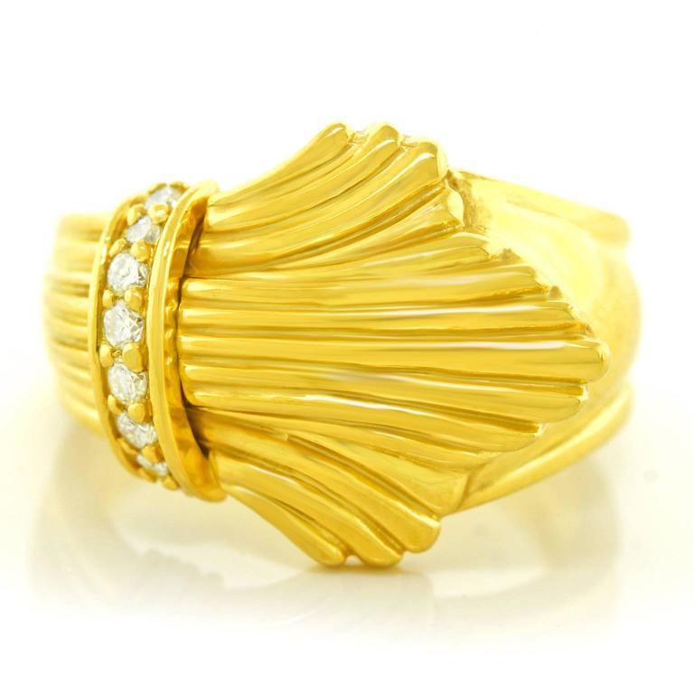 fleur de lis gold ring circa 1960s for sale at