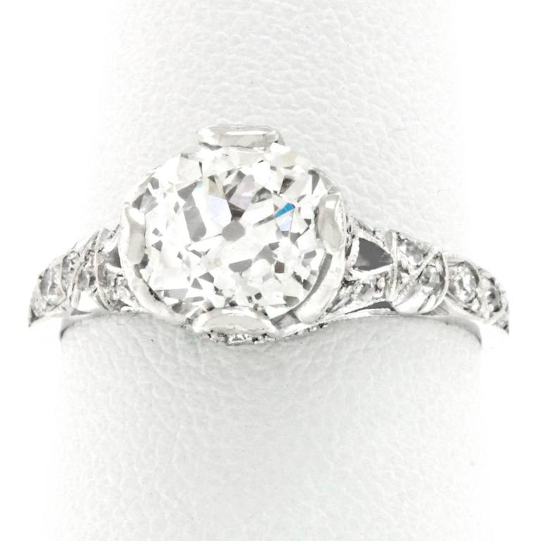 Art Deco 2.03 Carat Diamond-Set Platinum Engagement Ring GIA For Sale 4