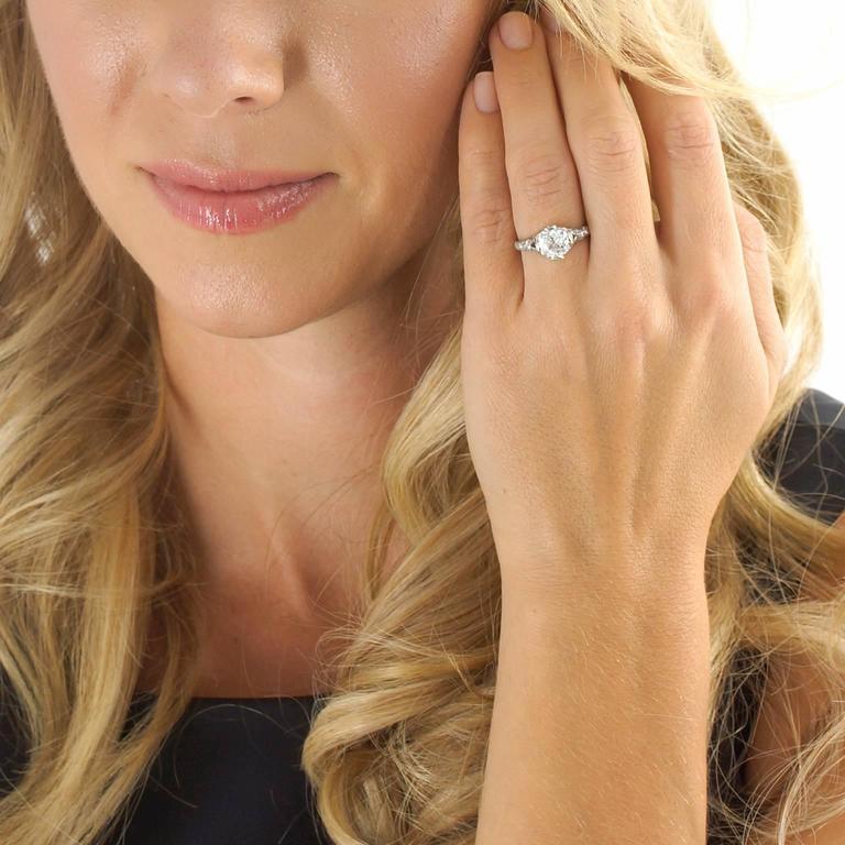 Art Deco 2.03 Carat Diamond-Set Platinum Engagement Ring GIA For Sale 1