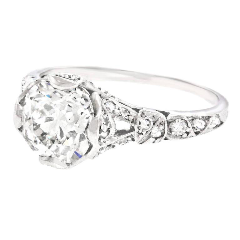 Art Deco 2.03 Carat Diamond-Set Platinum Engagement Ring GIA For Sale 2