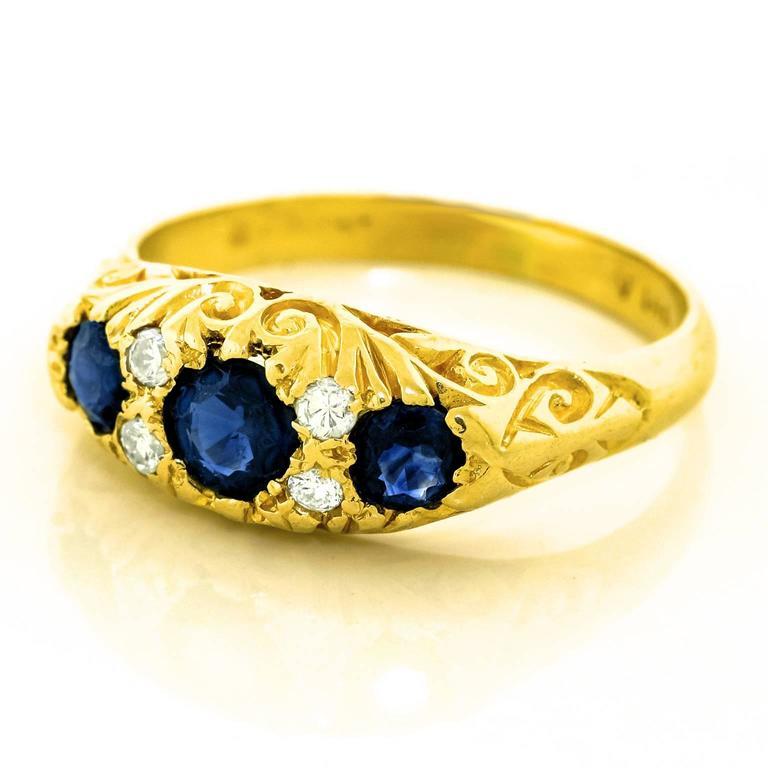 Classic Sapphire Diamond Gold Ring 3