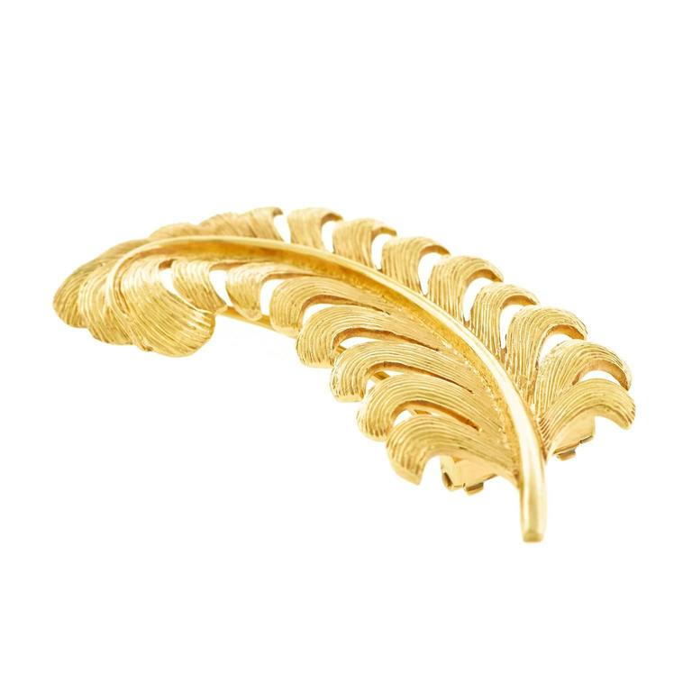 Tiffany & Co. 1950s Gold Feather Brooch For Sale 4