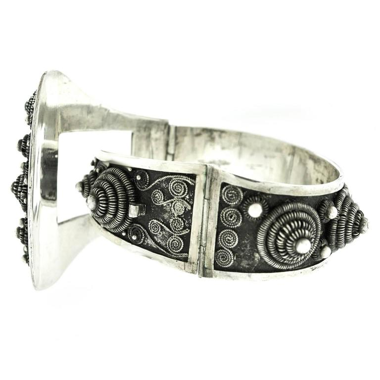 Fabulous Art Deco French-Indochina Sterling Bracelet For Sale 3