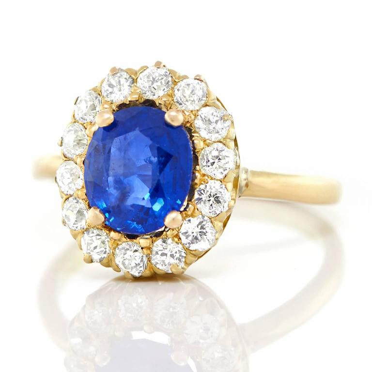 Victorian Antique 1.85 Carat No-Heat Sapphire and Diamond Gold Ring For Sale