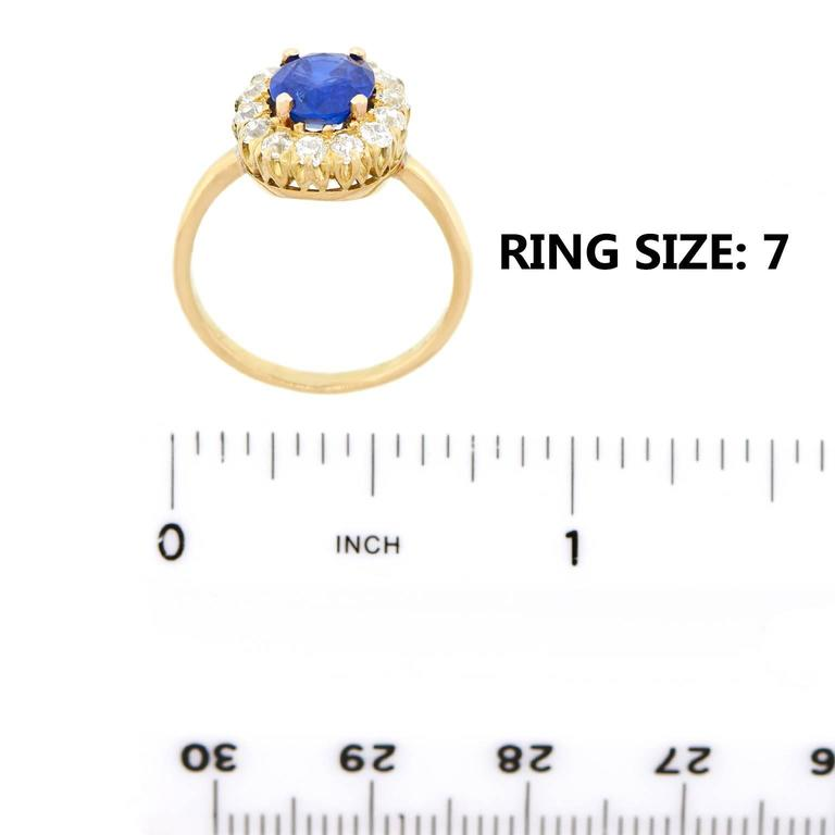Antique 1.85 Carat No-Heat Sapphire and Diamond Gold Ring For Sale 1