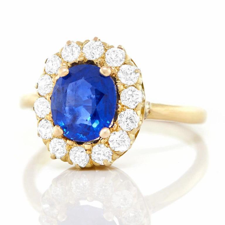 Antique 1.85 Carat No-Heat Sapphire and Diamond Gold Ring For Sale 4