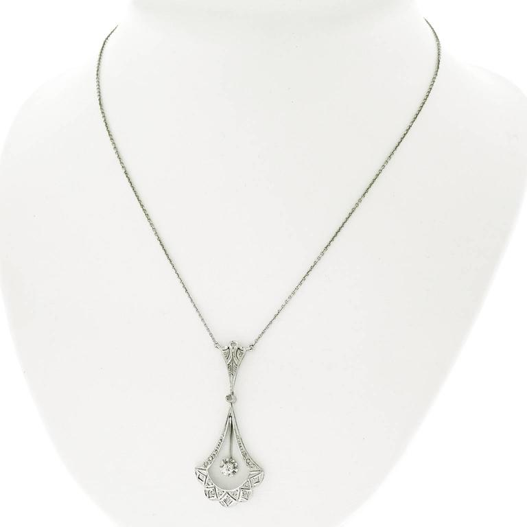 French Art Deco Diamond and Gold Necklace For Sale 3