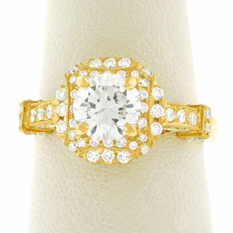 Fabulous 1.14 Carat Diamond Set Yellow Gold Ring GIA For Sale 4