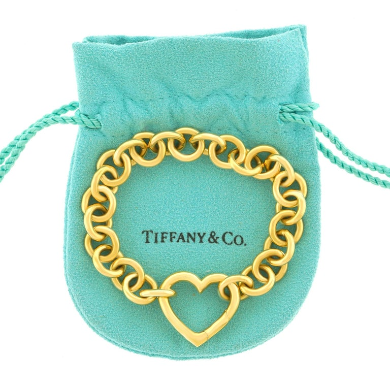 Tiffany & Co. Gold Heart Bracelet In Excellent Condition For Sale In Litchfield, CT