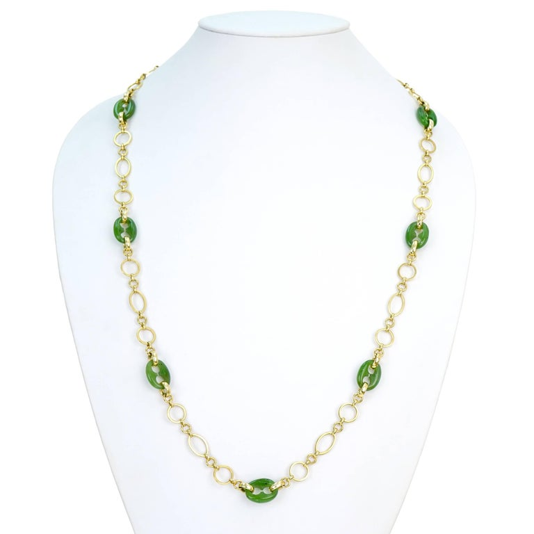 Carved Jade Gucci Link and Gold Necklace In Excellent Condition For Sale In Litchfield, CT