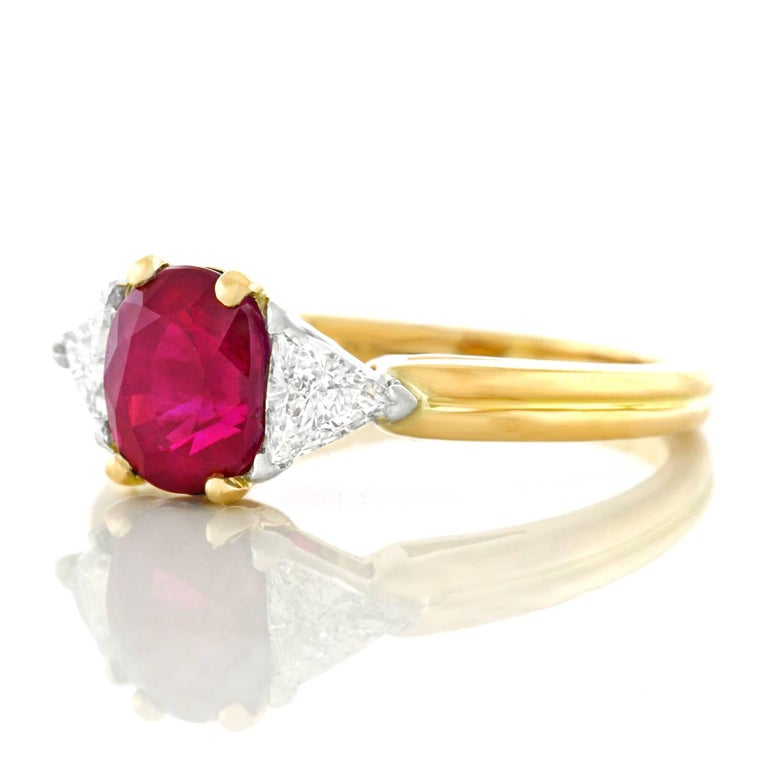 Oscar Heyman 1.89 Carat Ruby and Diamond Set Gold Ring In Excellent Condition For Sale In Litchfield, CT