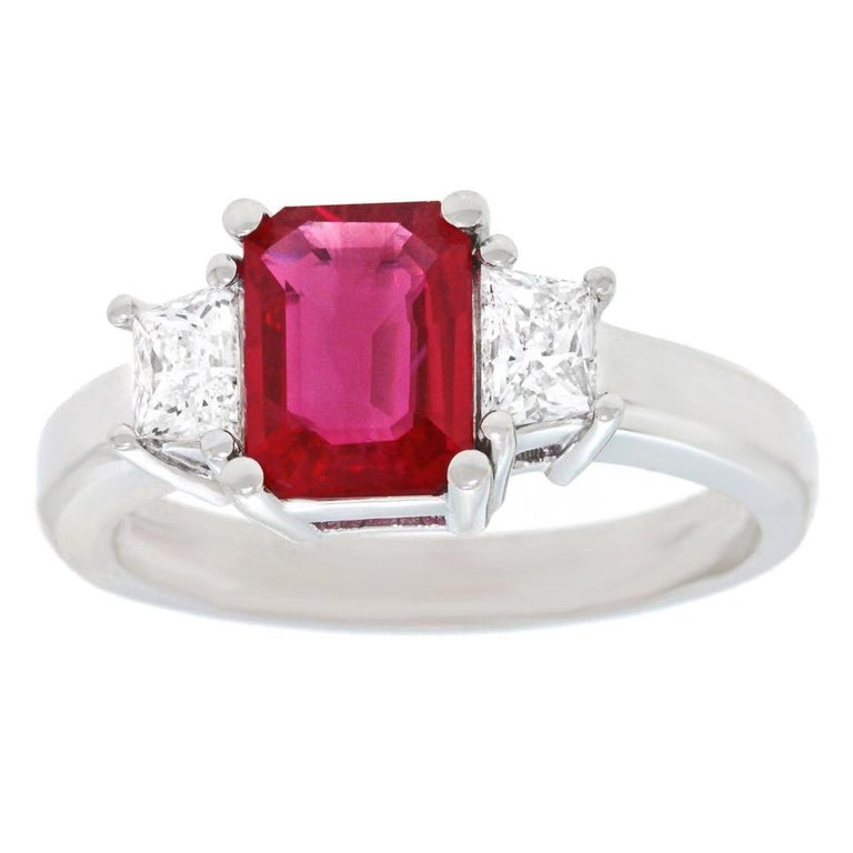 1.43 Carat Ruby and Diamond Set Gold Ring In Excellent Condition For Sale In Litchfield, CT