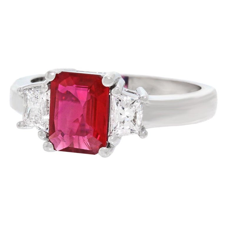 1.43 Carat Ruby and Diamond Set Gold Ring For Sale 3