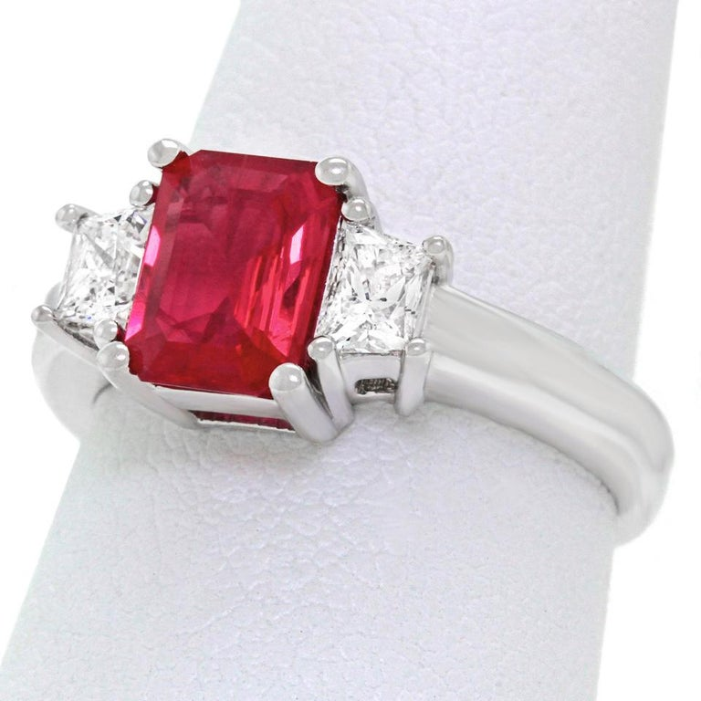 1.43 Carat Ruby and Diamond Set Gold Ring For Sale 6