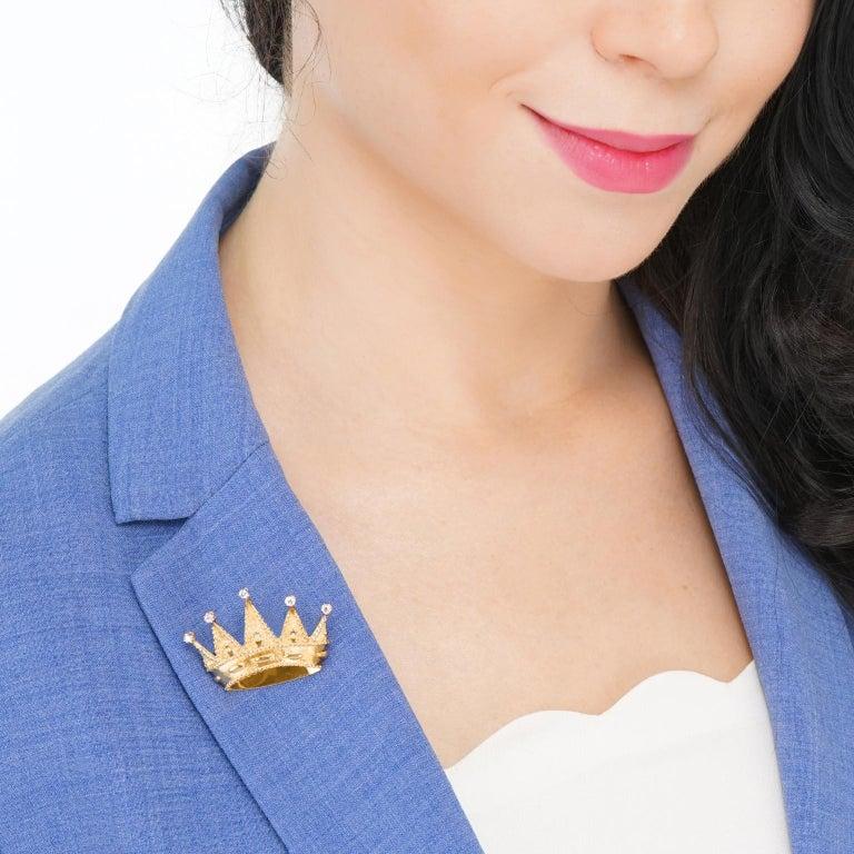 Women's or Men's Tiffany & Co. Diamond Set Gold Crown Brooch For Sale
