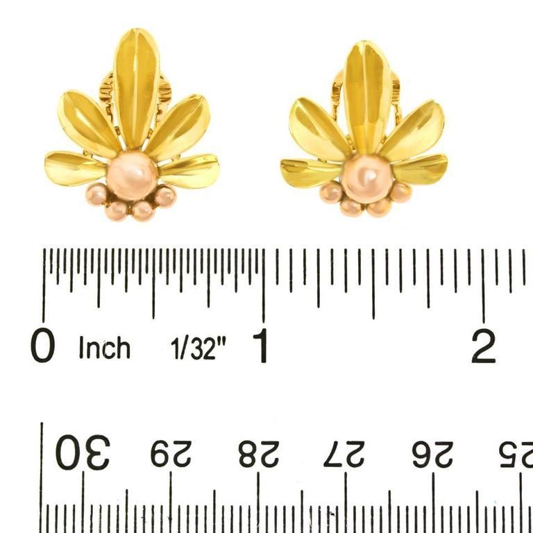 Art Deco Flower Power Gold Earrings For Sale 3