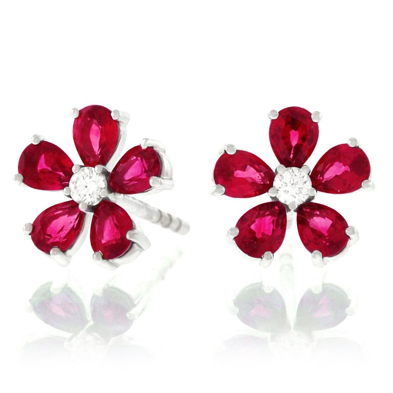 Spark Ruby and Diamond Set Gold Flower Earrings In Excellent Condition For Sale In Litchfield, CT