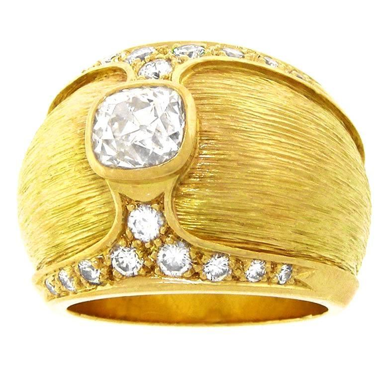 Paul Binder Elegant Swiss Modern Diamond-Set Gold Ring For Sale at ...