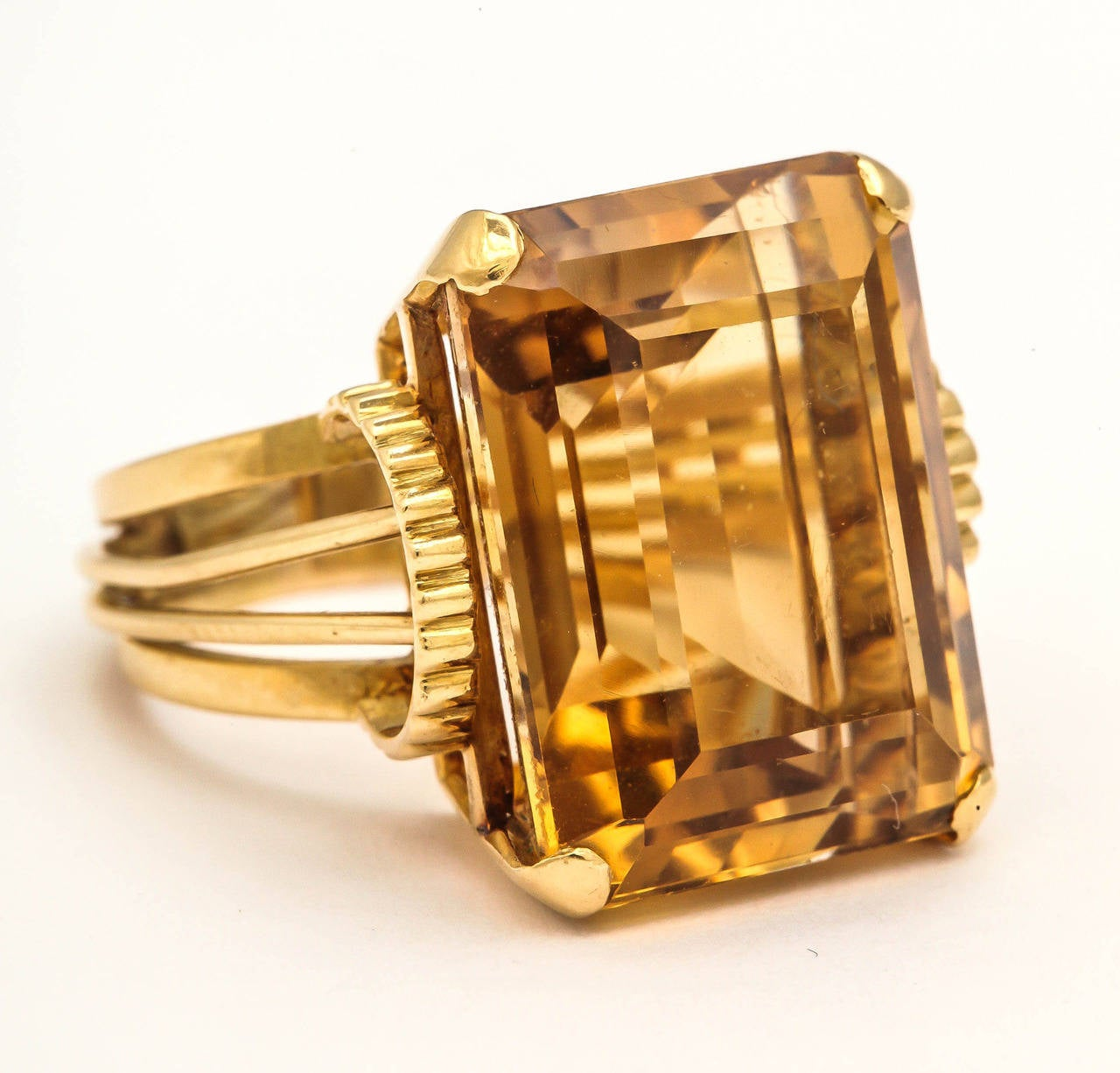 English Retro Citrine 18k Gold Cocktail Ring, 1950s For Sale 4