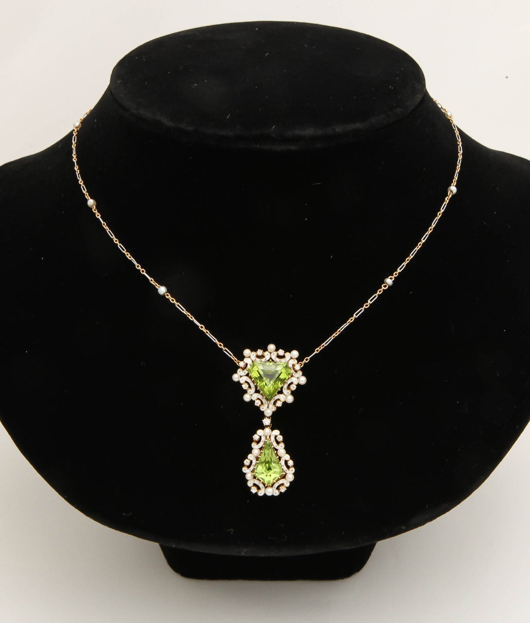 Edwardian Enamel Peridot Pearl Diamond Gold Drop Necklace In Excellent Condition For Sale In New York, NY
