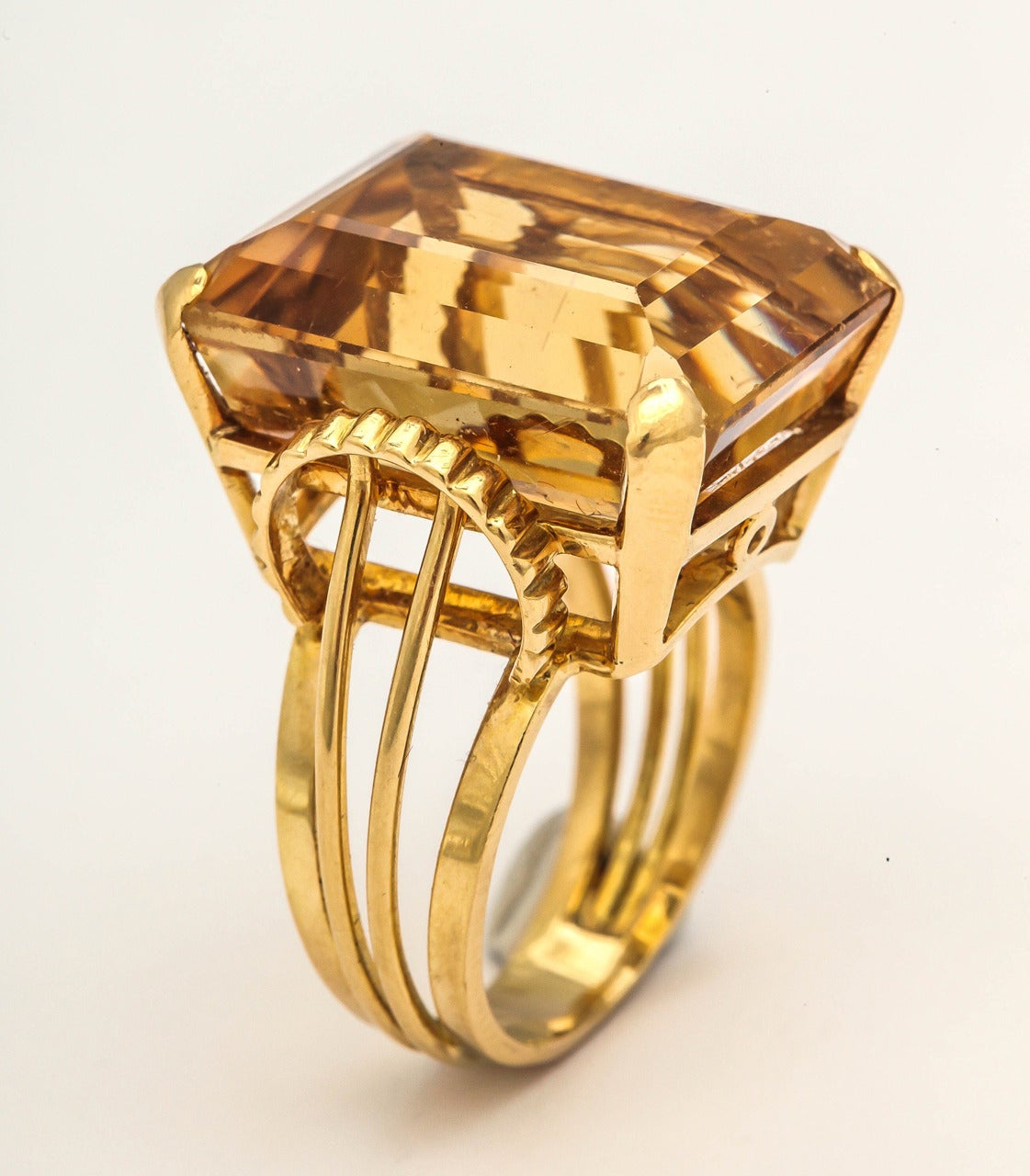 English Retro Citrine 18k Gold Cocktail Ring, 1950s For Sale 1