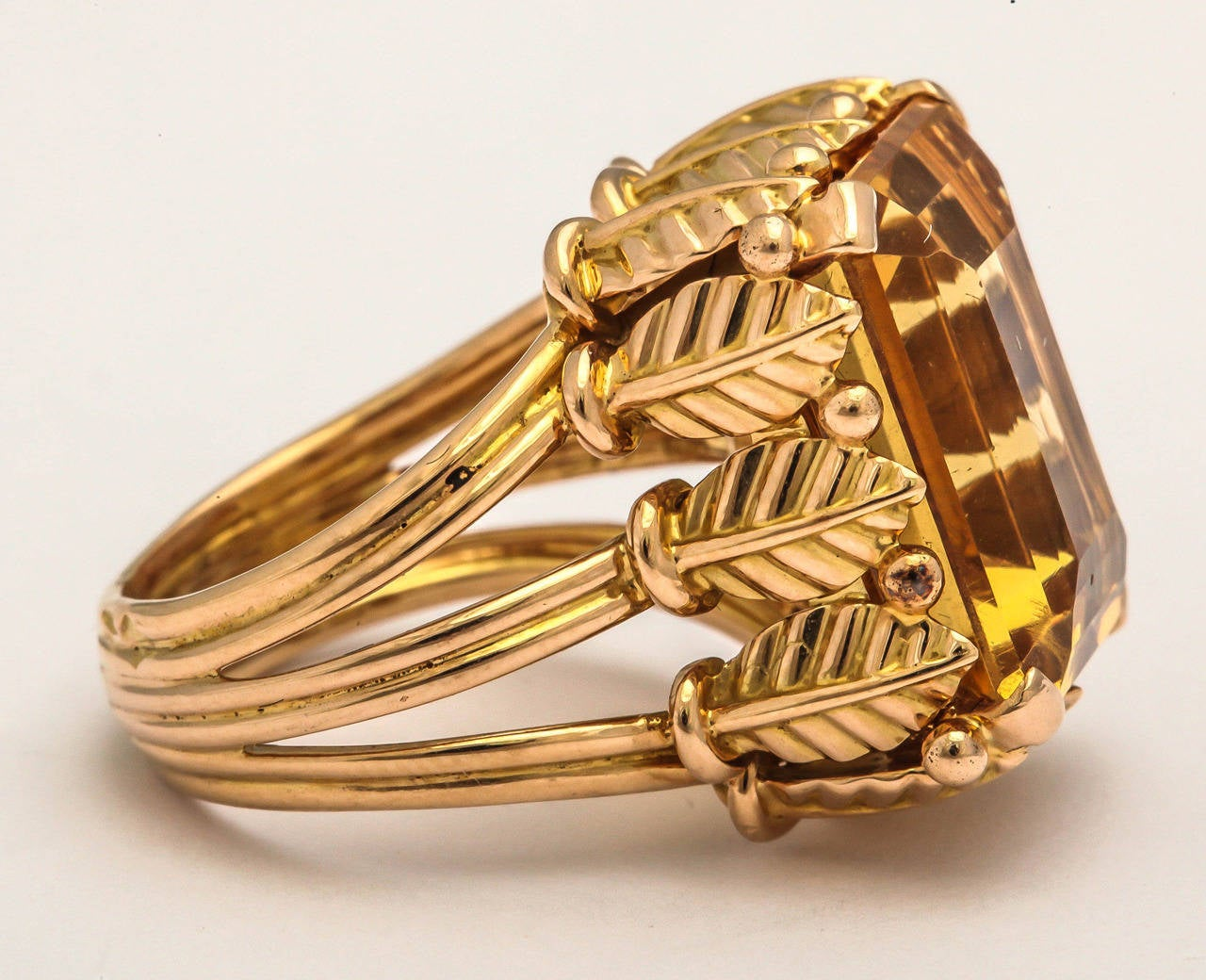 Classical Roman 1970s French Citrine 18k Gold Cocktail Ring, Paris For Sale