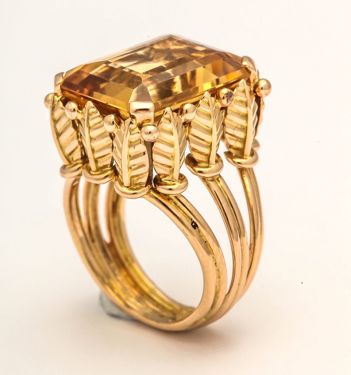 Women's or Men's 1970s French Citrine 18k Gold Cocktail Ring, Paris For Sale