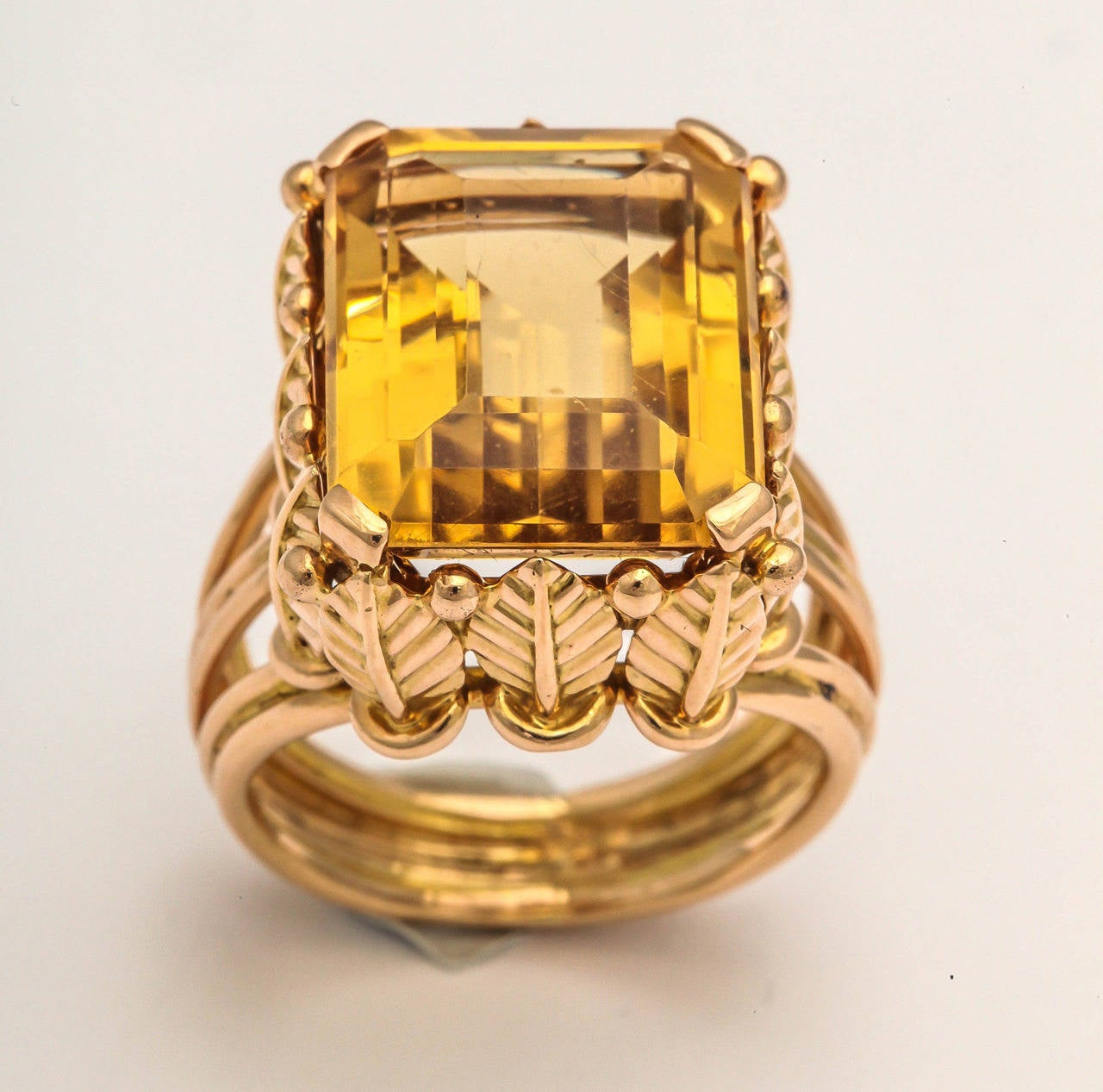 1970s French Citrine 18k Gold Cocktail Ring, Paris For Sale 1