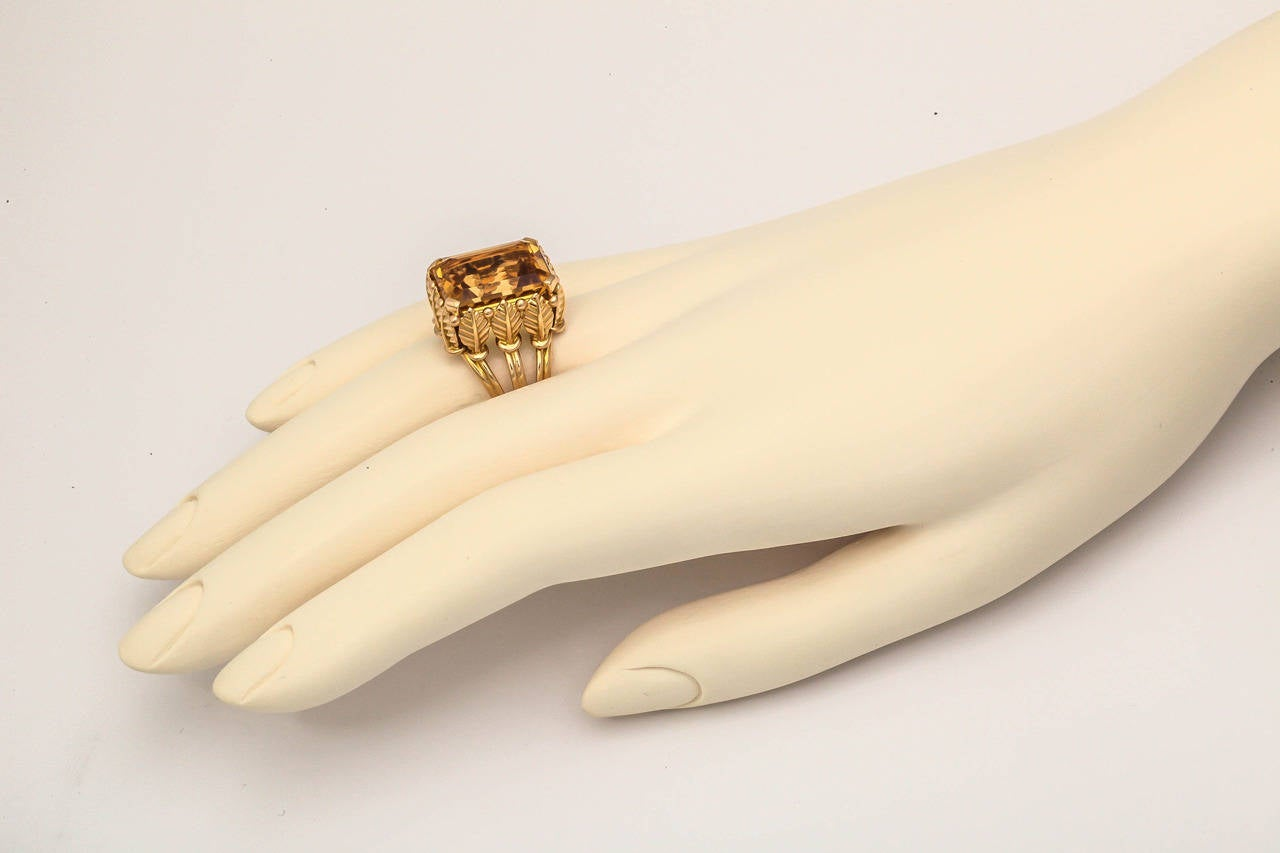 1970s French Citrine 18k Gold Cocktail Ring, Paris For Sale 2
