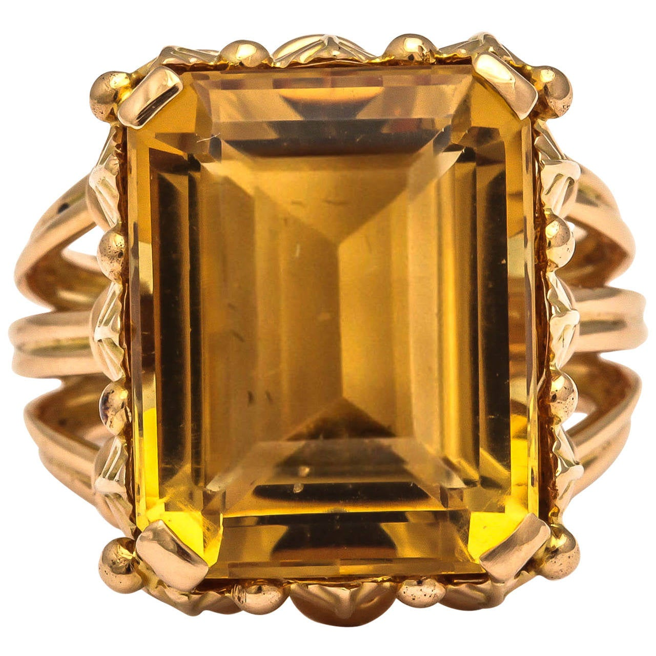 1970s French Citrine 18k Gold Cocktail Ring, Paris For Sale 3