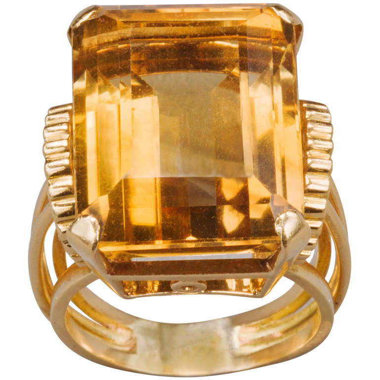 English Retro Citrine 18k Gold Cocktail Ring, 1950s For Sale