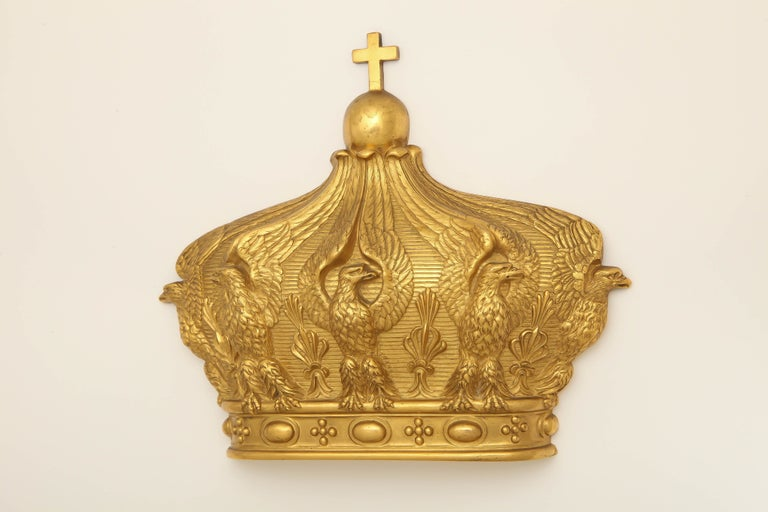 19th Century French Gilded Bronze Empress Eugenie Crown Wall Mount In Excellent Condition For Sale In New York, NY