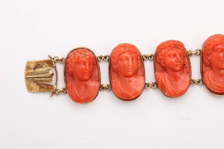 19th Century Carved Coral Link Bracelet In Good Condition For Sale In New York, NY