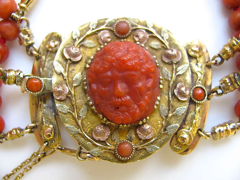 An Antique Gold and Coral Bracelet In Good Condition For Sale In Cincinnati, OH