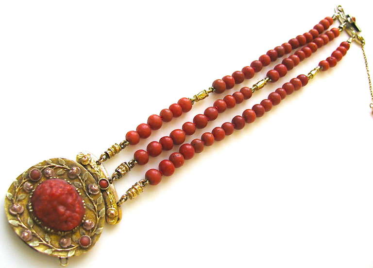 An Antique Gold and Coral Bracelet For Sale 1