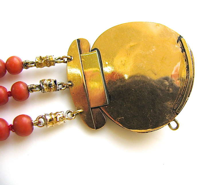 An Antique Gold and Coral Bracelet For Sale 3
