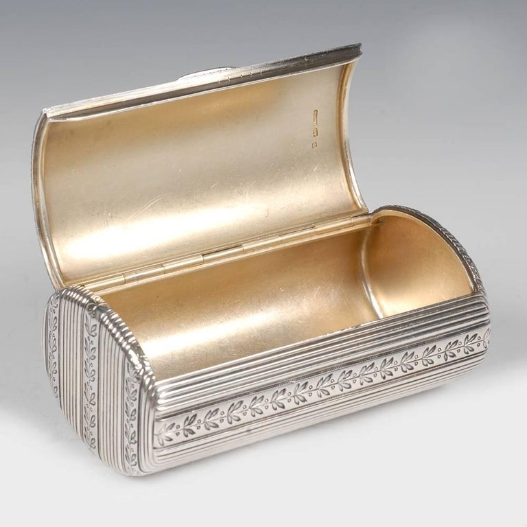 Fabergé Antique Russian Silver Oval Case Engraved with Laurel Bands For Sale 3