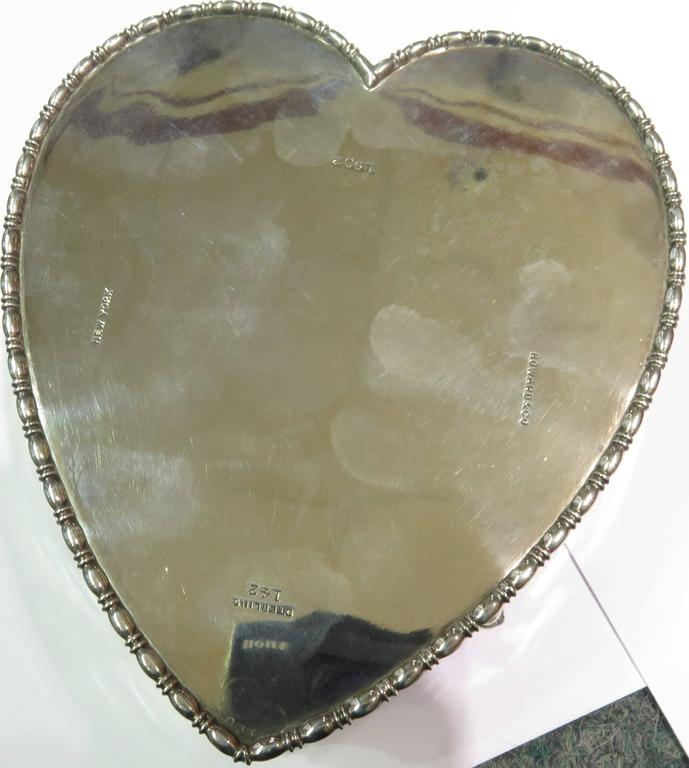 Antique Howard & Co. Large Sterling Heart with Cherubs Jewelry Box For Sale 1