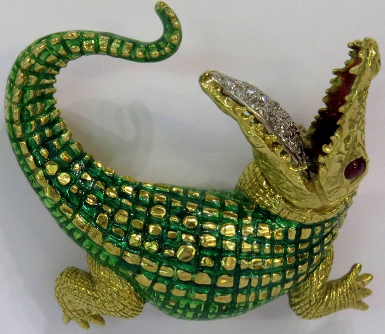 Incredibly Detailed Diamond Ruby Enamel Gold Alligator Pin For Sale 2