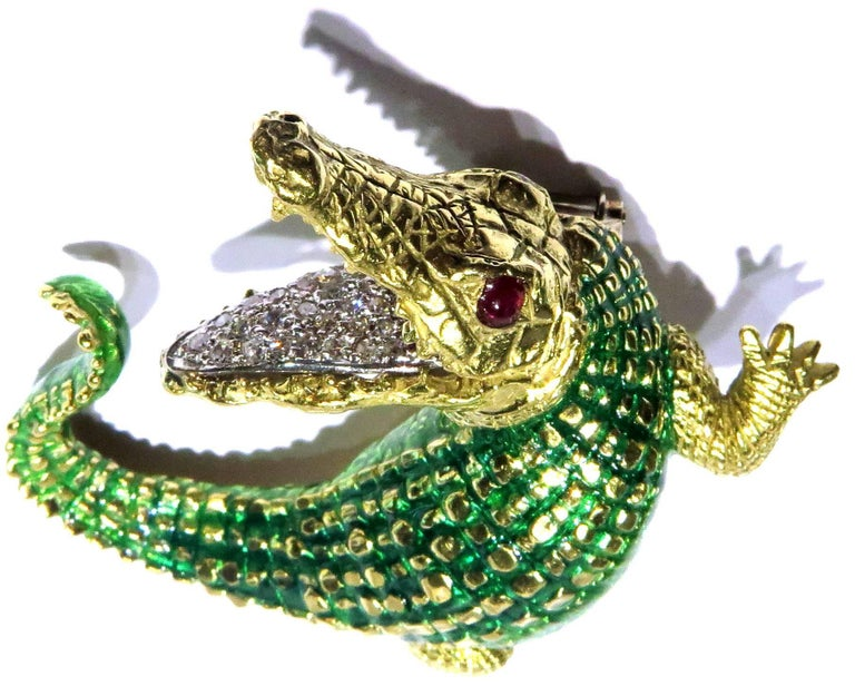 Incredibly Detailed Diamond Ruby Enamel Gold Alligator Pin For Sale 6