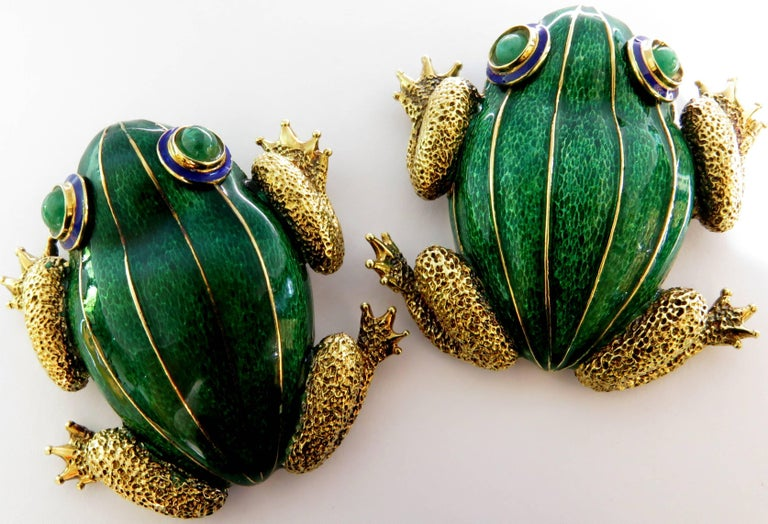 Women's or Men's Huge Pair of Green and Blue Enamel Gold Frog Pins with Emerald Eyes For Sale