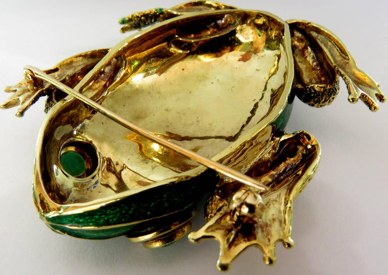 Huge Pair of Green and Blue Enamel Gold Frog Pins with Emerald Eyes For Sale 1