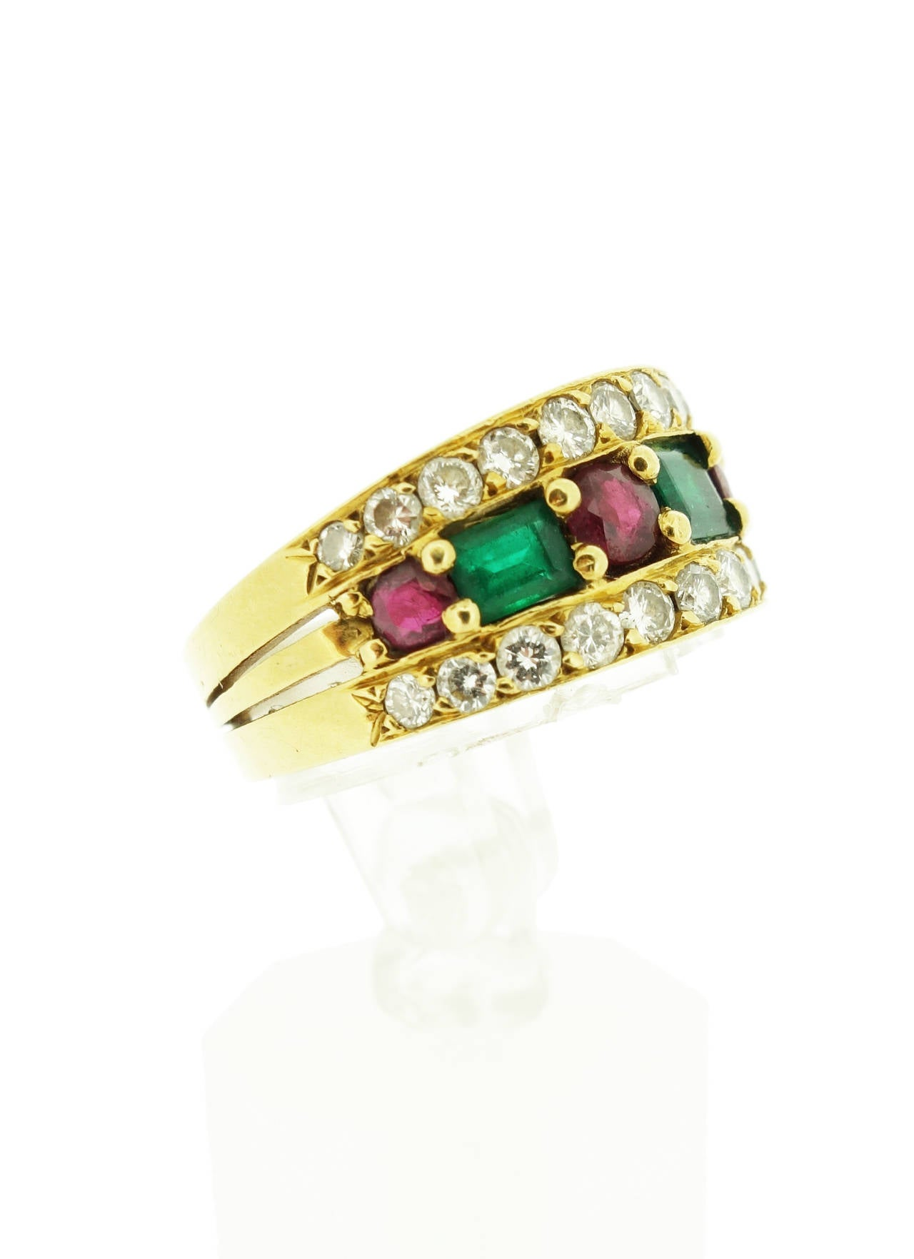 Van Cleef & Arpels Emerald Ruby Diamond Gold Band Ring In Excellent Condition For Sale In Agoura Hills, CA