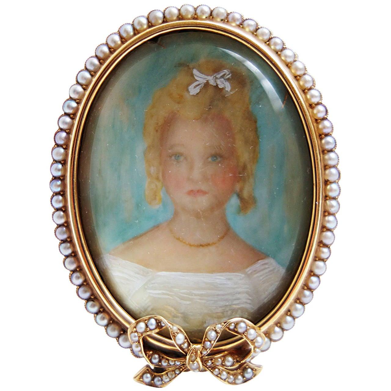 Antique Pearl Gold Portrait Miniature Picture Frame For Sale